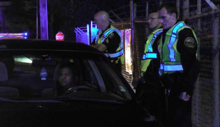 Caen conductores en sorpresivo retén policial (VIDEO)
