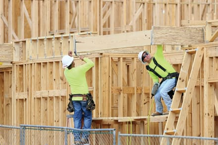 Registran en Estados Unidos la creación de empleo más baja en más de un año