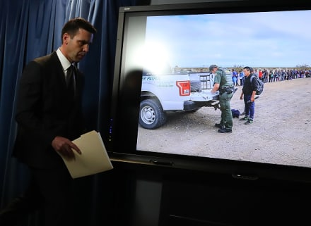 Jefe de la Patrulla Fronteriza: La frontera sur está desbordada