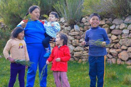 Dependientes: ¿Puedo declarar a un familiar que vive en el extranjero?