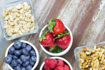 ¿Quieres bajar de peso? Snacks saludables con menos de 50 calorías