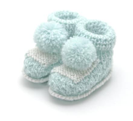 Zapatitos para bebé: ¿Cuándo es momento de calzarlos y qué comprar?