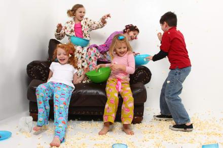 Pijamada en casa: Cómo organizar una para tu hijo