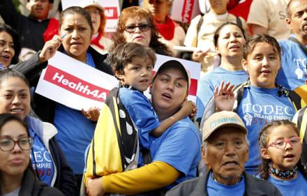 Seguro médico para indocumentados: California será el primer estado en darlo