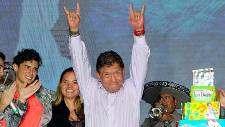 Tras ser brutalmente golpeado, Juan Osorio exhibe a sus asaltantes con imágenes (1 VIDEO y 3 FOTOS