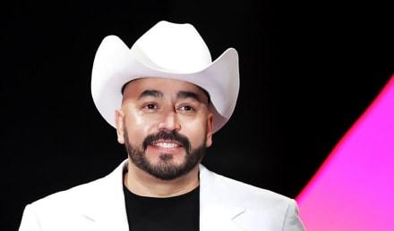 Lupillo Rivera presume con orgullo a 'su bebé', la nueva integrante de la dinastía Rivera (FOTO)