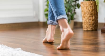 Andar descalzo como Shakira: ¿Es bueno o es malo?