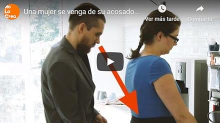 Mujer se venga de su acosador en el trabajo con su trasero (VIDEO)
