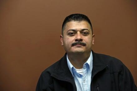 Crónica: Casi lo deportan y, encima, tuvo que pagar