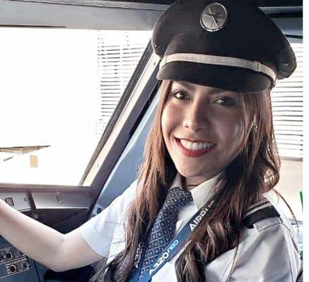 LadyBomba: se disculpa piloto que sugirió lanzar bomba en el Zócalo de México