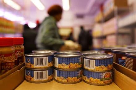 Beneficiarios de 'food stamps' en NY podrán comprar online por Amazon y Walmart