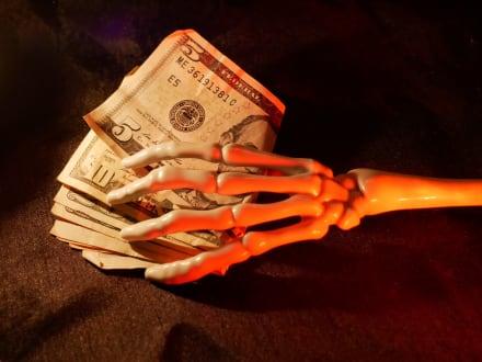 Termine con el miedo de Halloween y ahorre impuestos