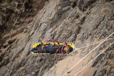 Accidente en Perú deja 15 muertos tras caída de autobús a un abismo