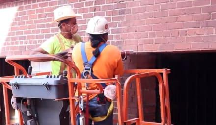 Siete heridos tras colapso de estacionamiento en construcción en Atlanta