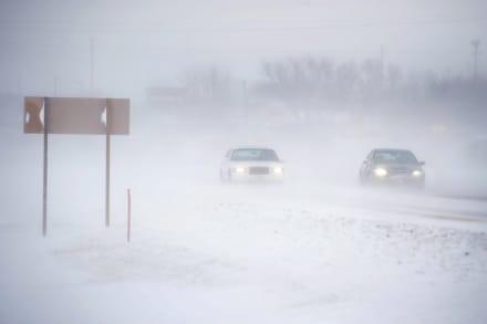 Advierten de masiva nieve y lluvia mientras millones buscan viajar en regreso de Thanksgiving
