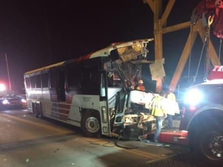 Chocó autobús con detenidos de ICE en Texas (FOTOS Y VIDEO)