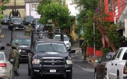 Familia michoacana somete a pobladores de Buenavista Tomatlán y se adueña de todo el comercio en el pueblo (VIDEO)