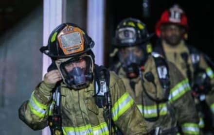 Georgia: Incendio en el sótano de un edificio deja en la calle a varias familias en Decatur