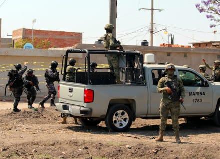 Detienen a Karina Mora, esposa de El Marro, líder del cártel Santa Rosa de Lima