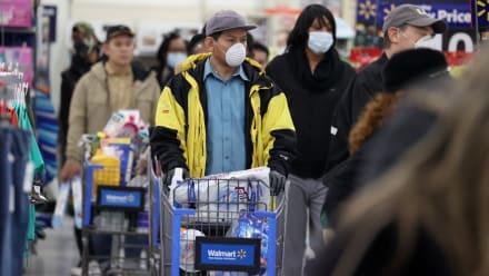 Hispana amenzó con contagiar el COVID-19 en un Walmart