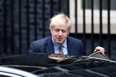 Boris Johnson mejora luego de 3 días en cuidados intensivos