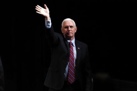Mike Pence niega estar en cuarentena y afirma que estará el lunes en la Casa Blanca
