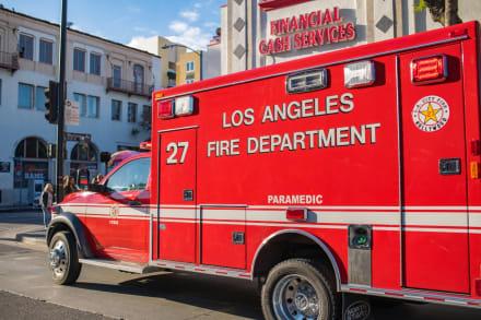 California: Incendio forestal en Bel Air estalla en la autopista 405