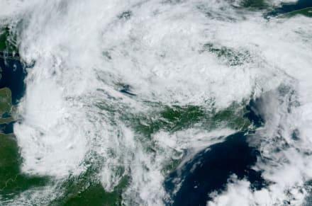 Fay se degrada a ciclón post tropical sobre Nueva York