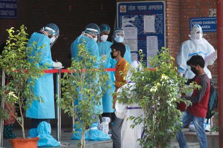 Estrella de Bollywood y ex Miss Mundo es hospitalizada por coronavirus (FOTO)