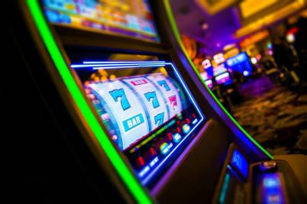 Jackpot en casino de Florida: Gastó $5 y ganó más de 3 millones