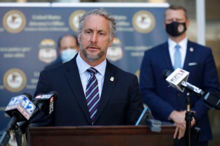 ICE firma contrato con compañía de reconocimiento facial