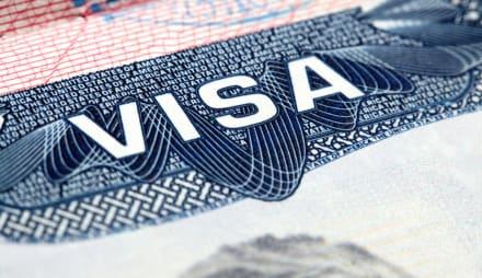 Latino es sentenciado por cobrar hasta $4,000 dólares por visas de trabajo