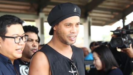Ronaldinho queda en libertad después de casi seis meses detenido