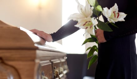 Mujer de Detroit fue declarada 'muerta' pero abrió los ojos en la funeraria