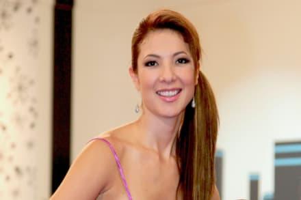 Priscila, esposa del Temerario, baila samba en sexy vestidito y la critican, pero ella no se deja (VIDEO)