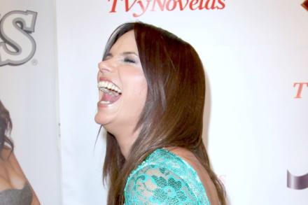 Rashel Díaz se 'burla' de Telemundo con viaje romántico junto a su esposo (FOTO)