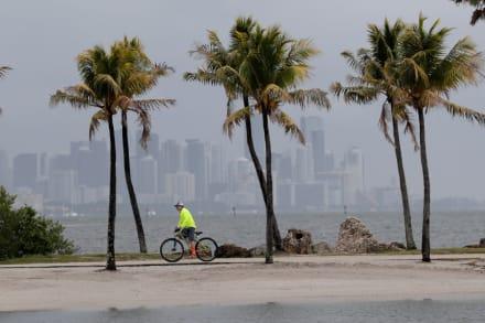 Nueva amenaza en el Atlántico a días de terminar temporada de huracanes