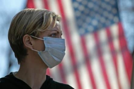 Coronavirus puede propagarse por el aire reconocen los CDC