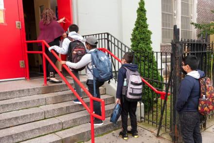 Preocupa el aumento de casos de coronavirus en niños tras reapertura de aulas