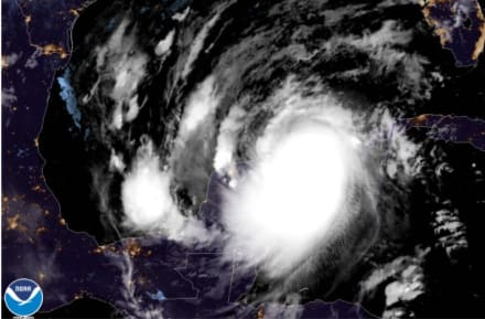 Huracán Delta toca tierra en México como ciclón de categoría 2