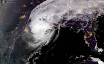 Delta toca tierra en Louisiana como huracán de categoría 2