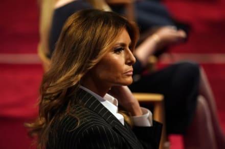 Departamento de Justicia demanda a ex asistente que filtró audios de Melania Trump sobre inmigrantes
