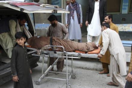 TRAGEDIA: 11 muertos y 13 heridos en estampida ¡cuando tramitaban la visa! (FOTOS)