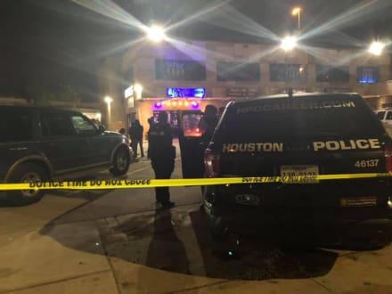 Texas: Tiroteo en el DD Sky Club de Houston deja tres muertos