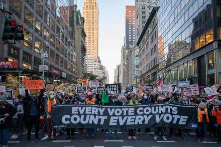 Múltiples protestas a favor y en contra de Trump tras elecciones (VIDEO)