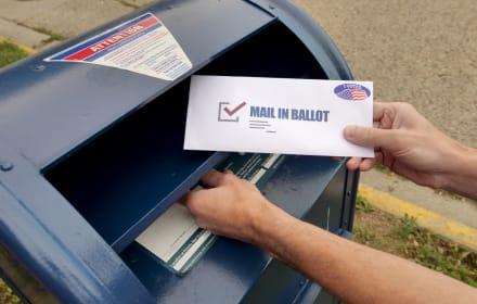 Más de 150 mil votos por correo podrían cambiar el destino de las elecciones