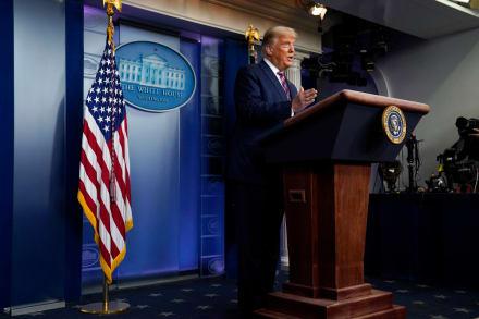 Cadenas de noticias cortan a Trump en pleno discurso