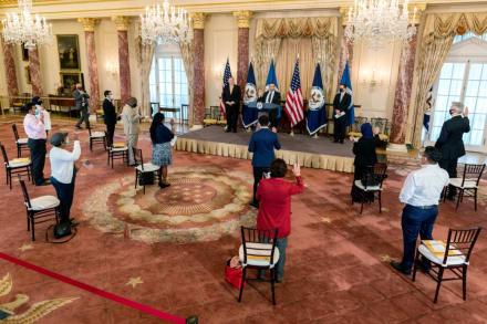 Critican nueva actualización para el proceso de naturalización estadounidense