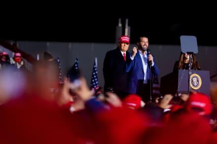 """""""Está muy bien"""", dice Donald Trump sobre la salud de su hijo Donald tras dar positivo a coronavirus (FOTO)"""