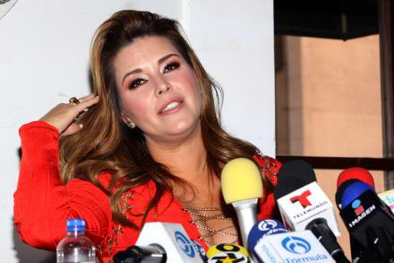 """Alicia Machado llama """"inútil y apática"""" a Melania Trump (VIDEO)"""